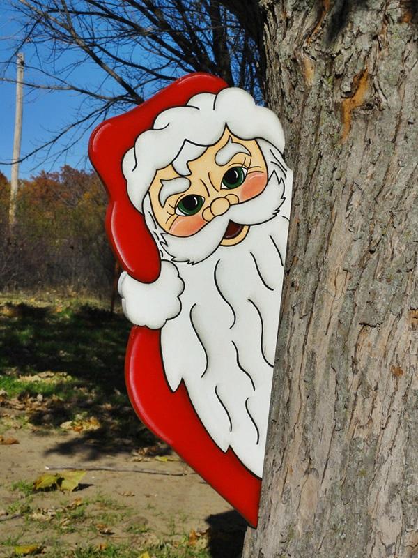 MD-043 - Decoração Color Mdf Papai Noel Escondido atrás da Árvore  - Tam 0,50 x 0,25 Metros