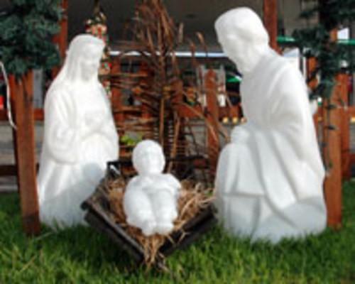 002/1 - Sagrada Família Iluminada - Presépio Tradição Polietileno Branco