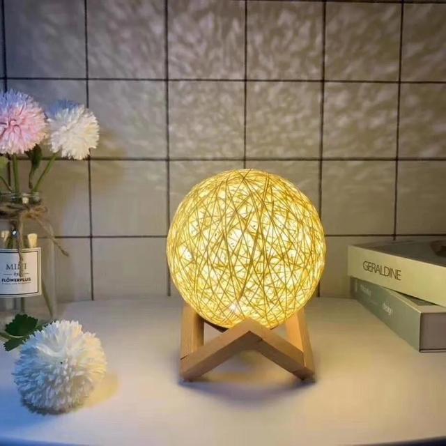 Luminária Abajur Lua Bola De Barbante Usb InterFonte 15cm