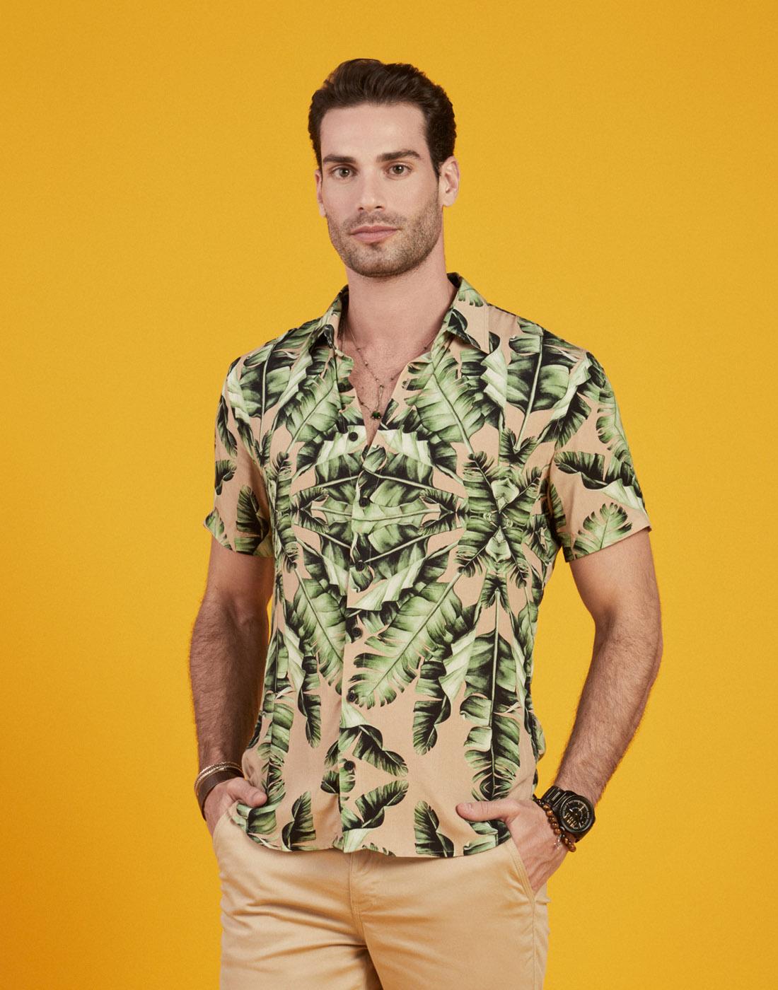 Camisa Masc. Manga Curta Estampa Tropical Six One