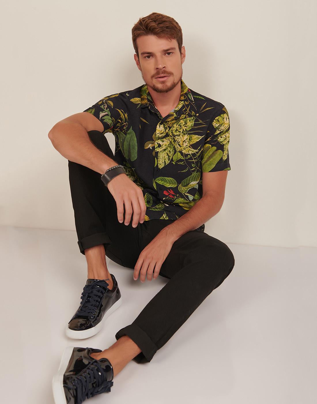 Camisa Masc. Manga Curta Slim Fit Estampada Floral Six One