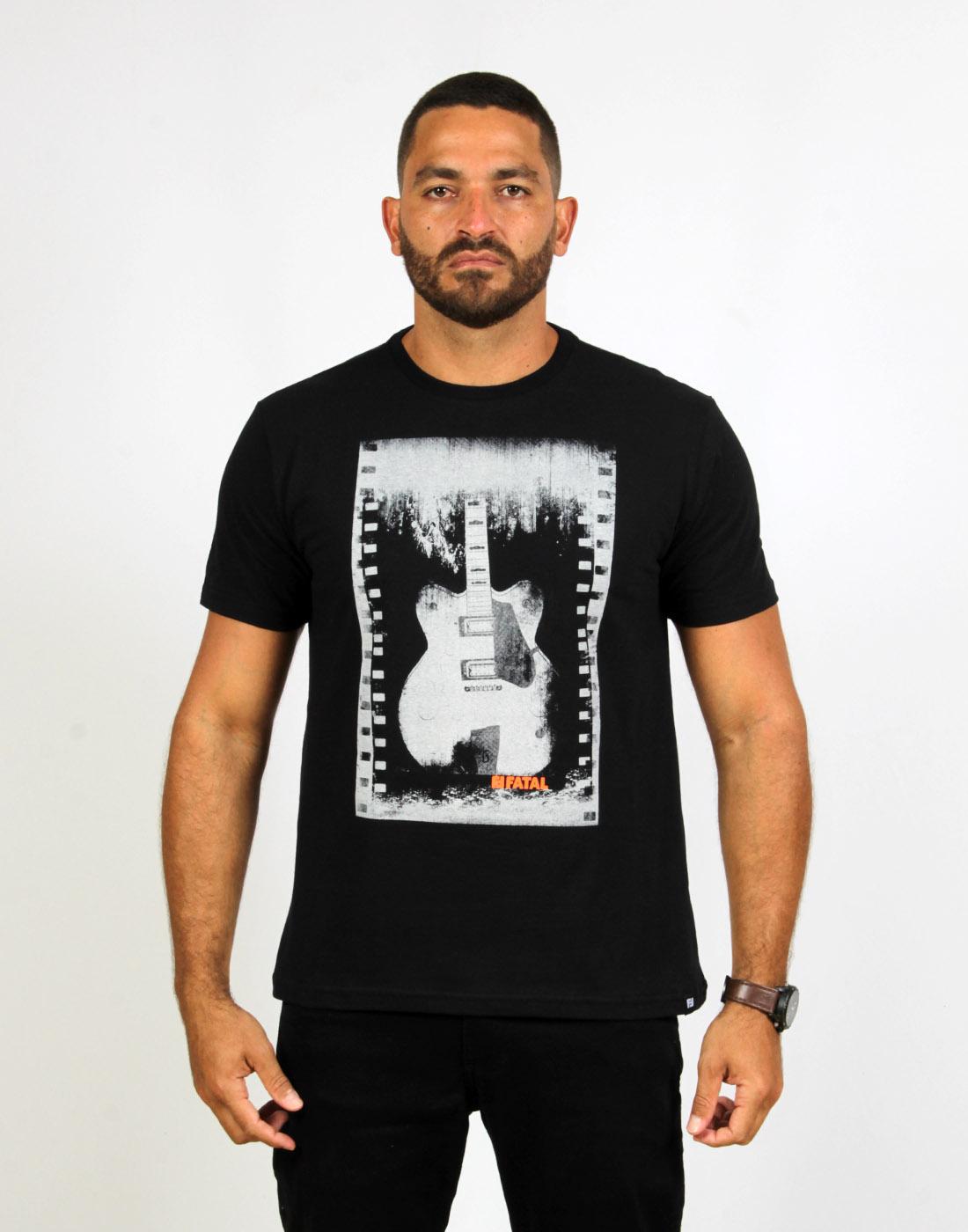 Camiseta Masc. Estampada Guitar Fatal