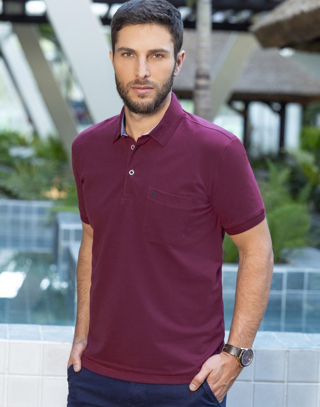 Camiseta Polo Estampada Plus com Bolso Roxo  - Baumgarten