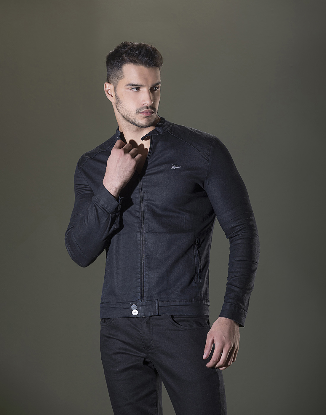 Jaqueta Slim Jeans C/Bolso Sallo