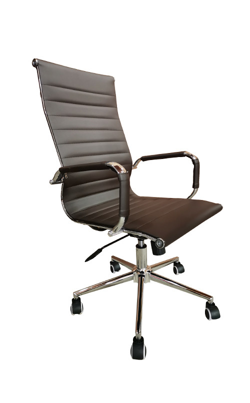 Cadeira Presidente Eames Office Cromada Lisa Marrom Café