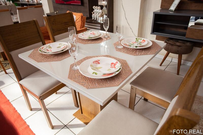Mesa de Jantar Tampo MDF e Vidro Off 90X90 com 4 Cadeiras Napoli
