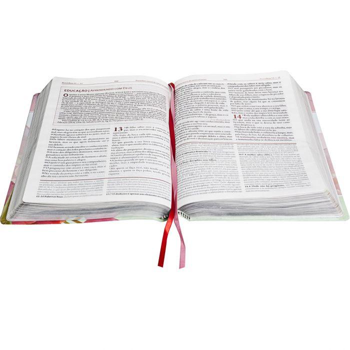 A Bíblia da Mulher Letra Normal | ARC | Capa Flores Luxo  - Universo Bíblico Rs