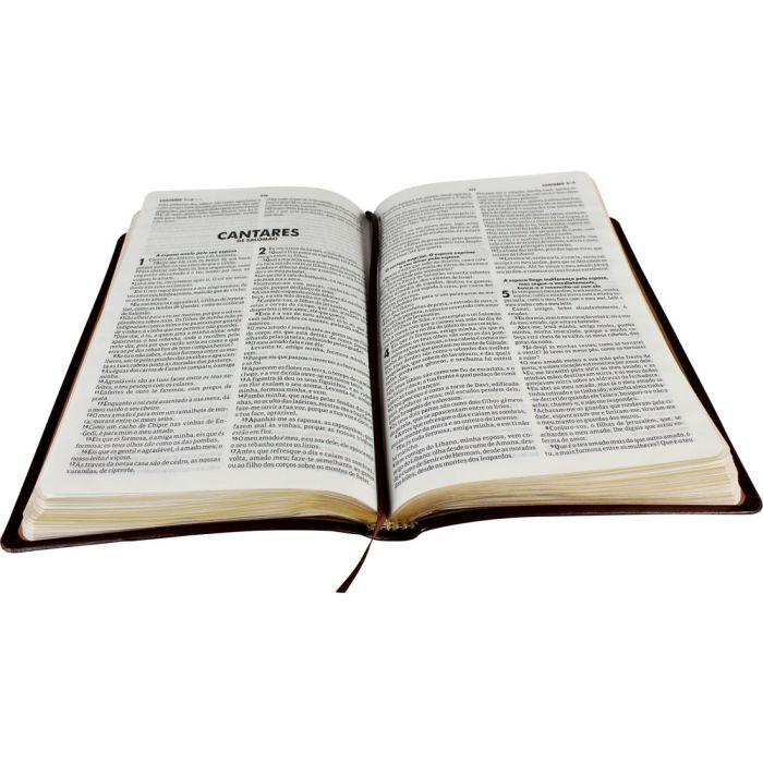 Bíblia Sagrada com Harpa Cristã / Marrom escuro - (ARC)  - Universo Bíblico Rs