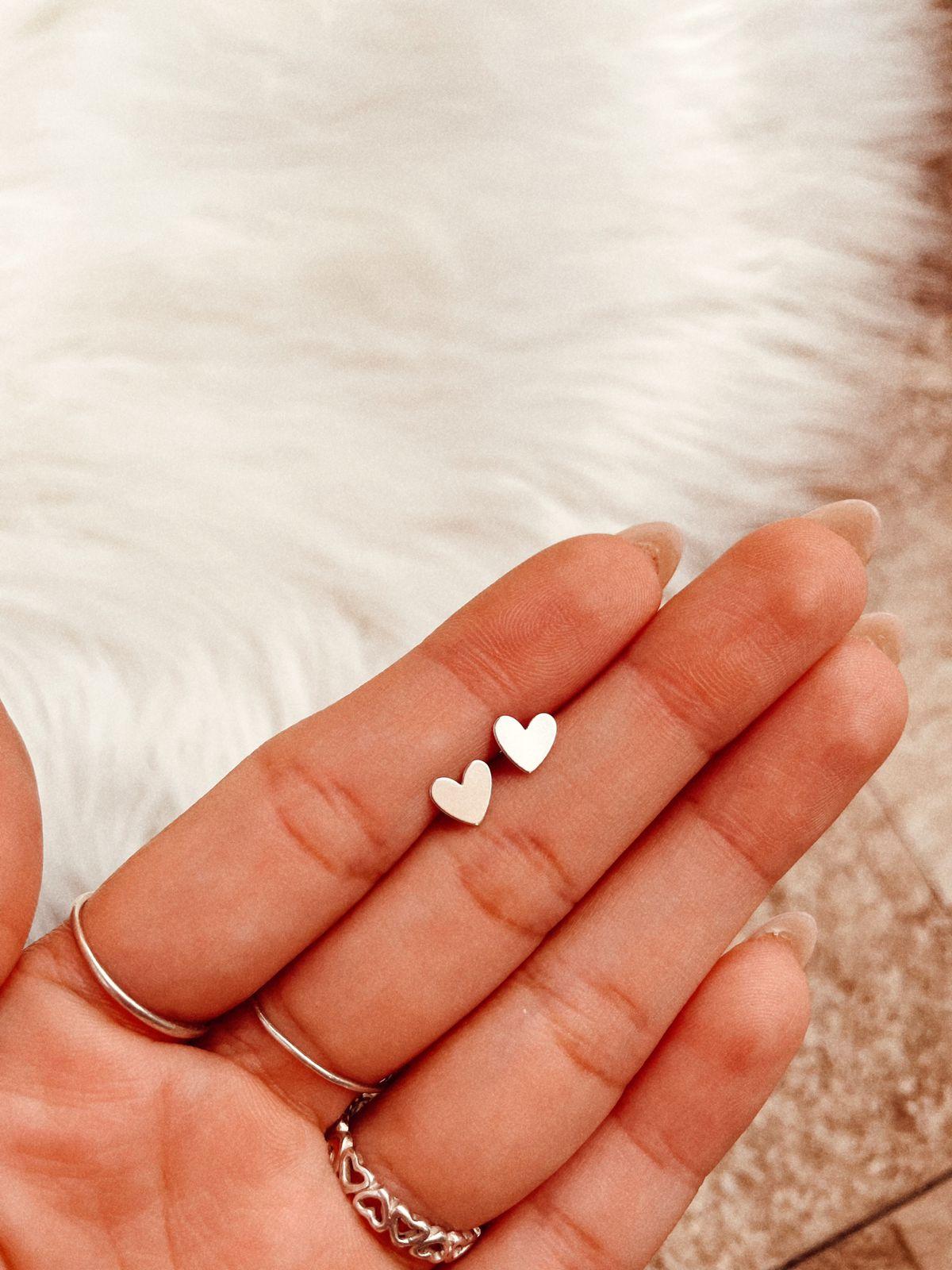Brinco de Prata Mini Coração Liso