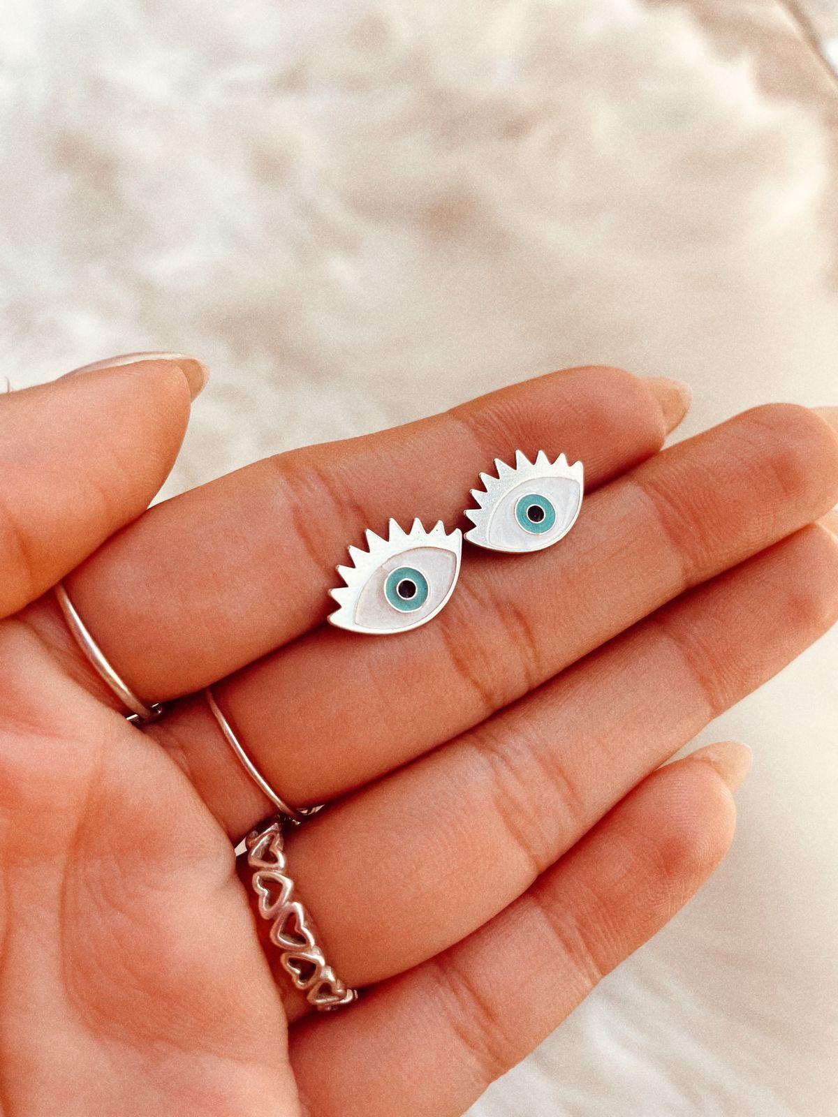 Brinco de Prata Olho com Cílios
