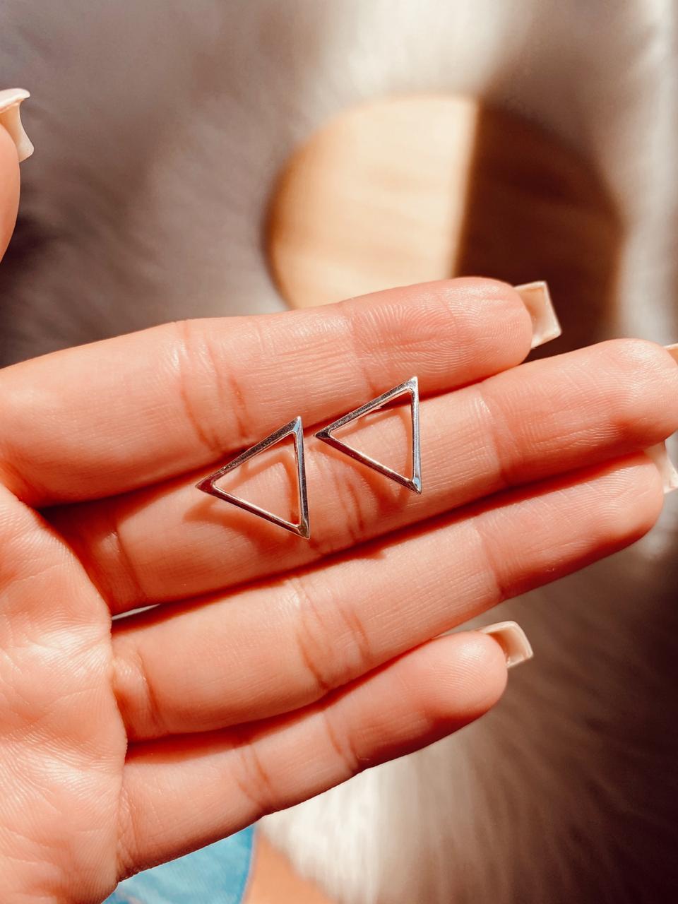 Brinco de Prata Triângulo Vazado II