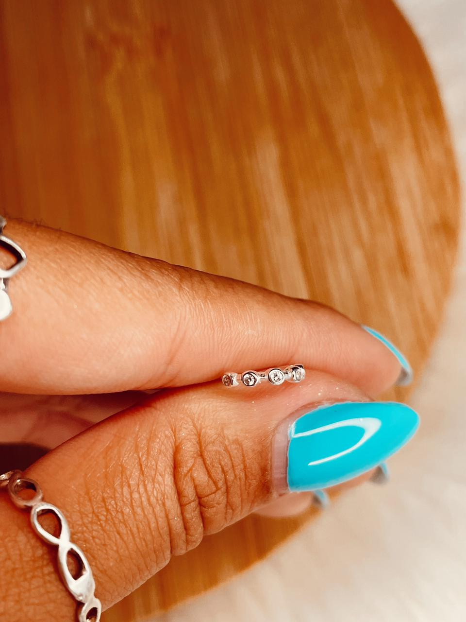 Piercing de Furo de Prata Esfera com Zircônia