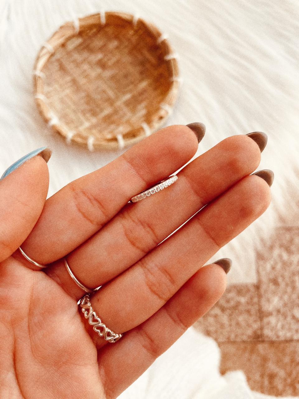 Piercing de Prata Furo Conch Cravejado
