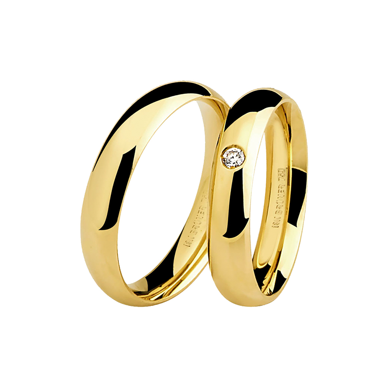 Par de Alianças de Casamento em Ouro Amarelo 18k Lisa e com Ponto de Diamante