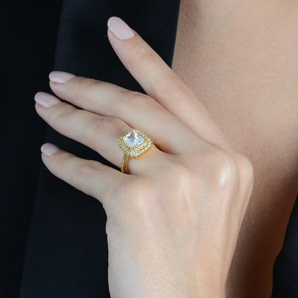 Anel Luxo com Pedra e Cravejados de Micro Zircônia Banhado a Ouro 18K