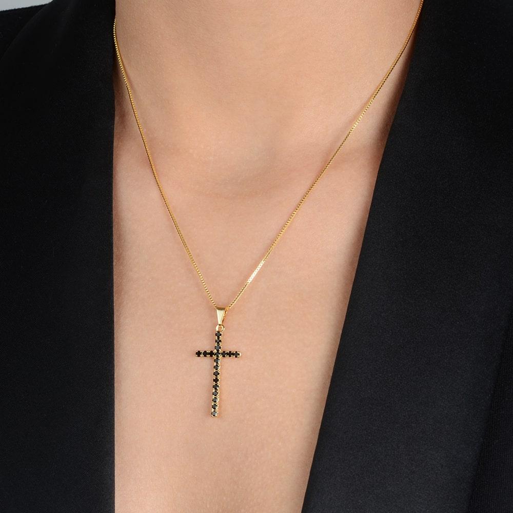 Gargantilha Cruz Cravejada de Zircônia Preta Banhada a Ouro 18K