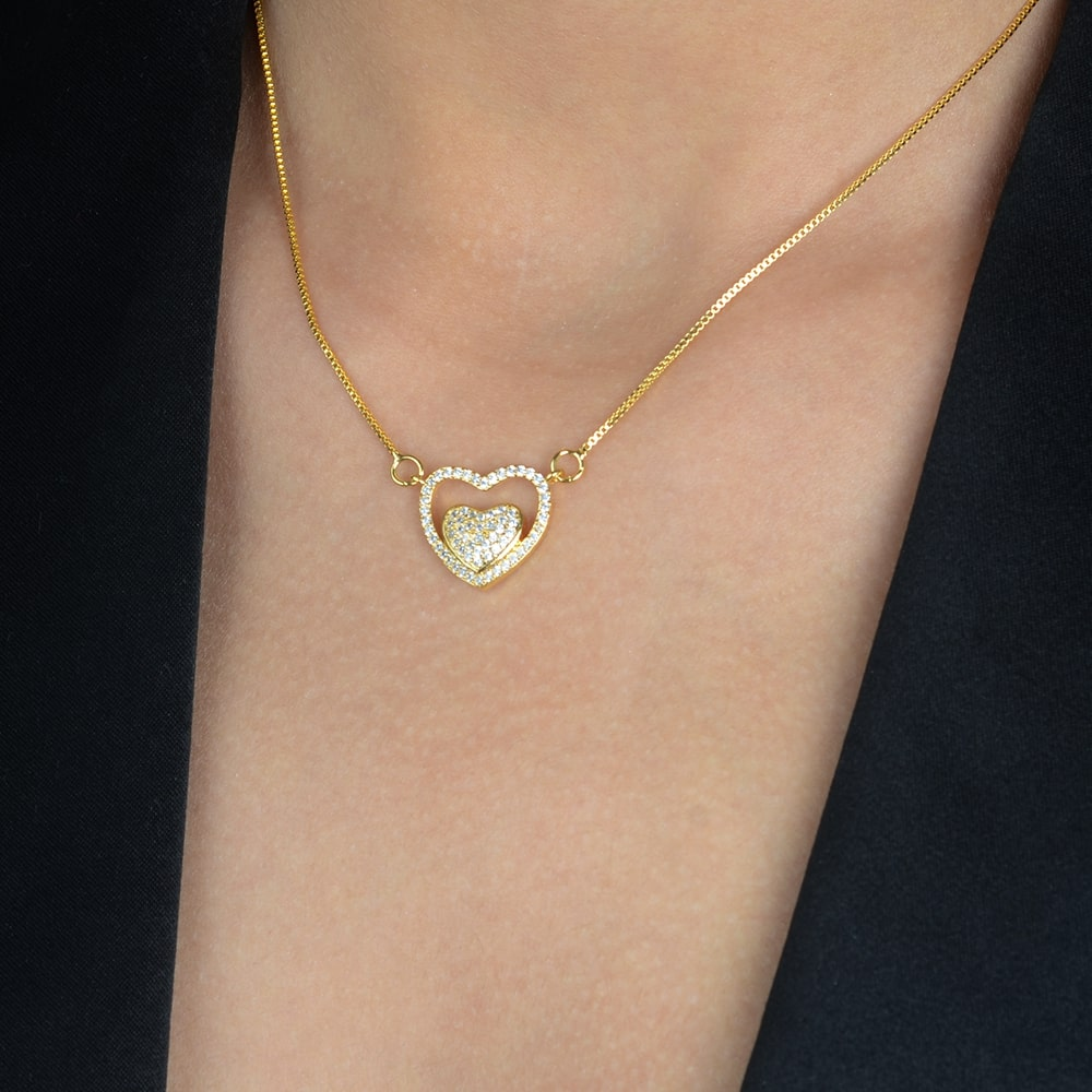 Gargantilha de Coração Cravejada de Zircônias Banhada a Ouro 18K
