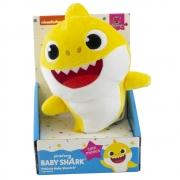 Baby Shark - Pelúcia de 20 cm com Música - BABY SHARK