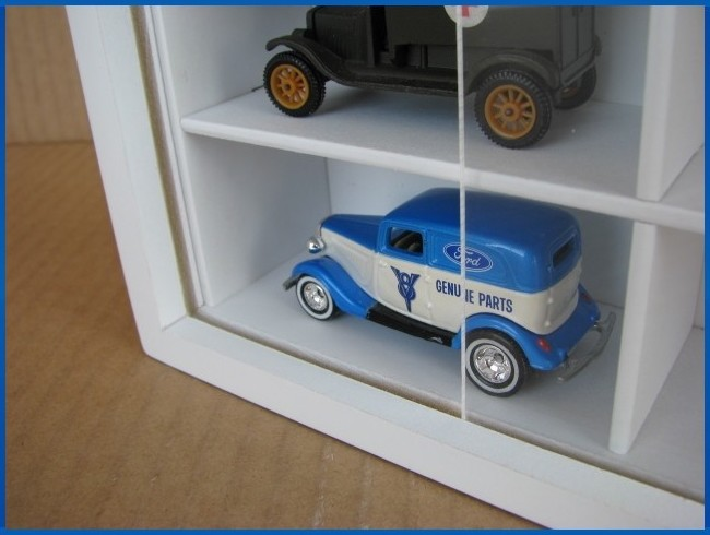#50 DIECAST DISPLAY CASE - 1:64 [Branco]  - Hobby Lobby CollectorStore