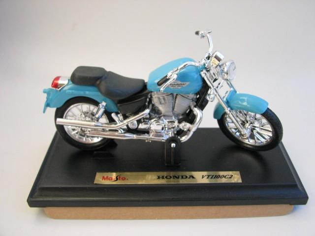 Maisto - Honda VT 1100 C2  - Hobby Lobby CollectorStore