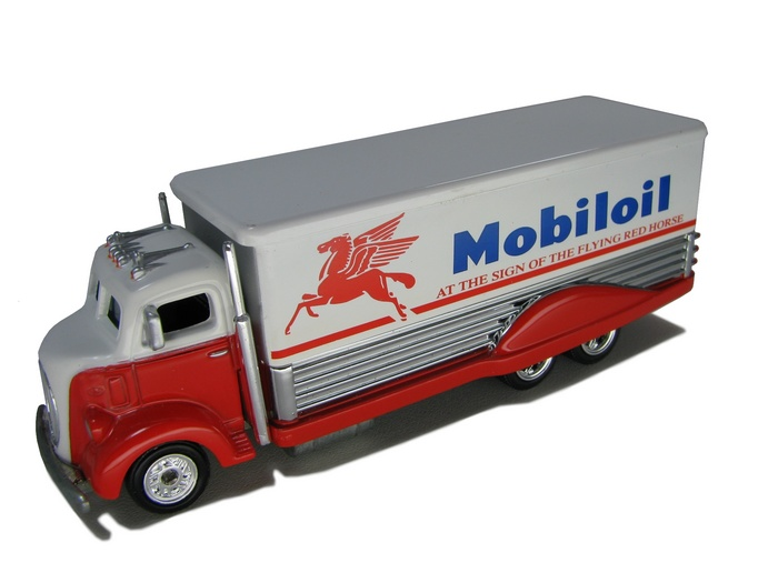 Hot Wheels - ´38 FORD COE - MOBIL OIL
