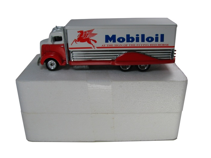 Hot Wheels - ´38 FORD COE - MOBIL OIL  - Hobby Lobby CollectorStore