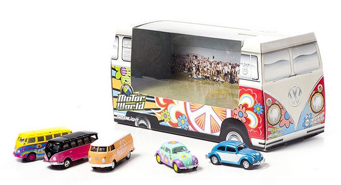 Greenlight - 1:64 MotorWorld - Diorama - Hippie Volkswagens - Hobby Lobby CollectorStore