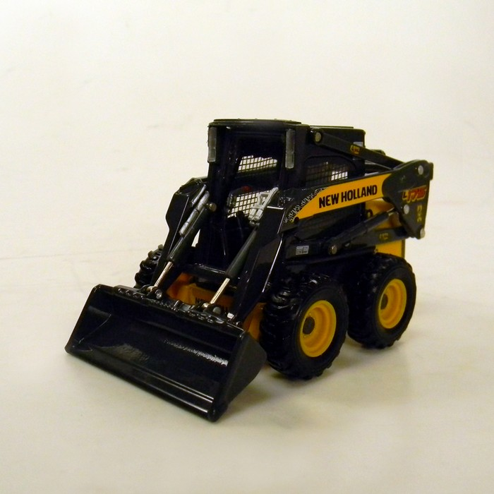 New Holland L175 - Mini Carregadeira