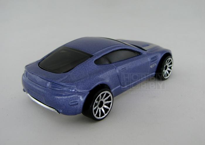Hot Wheels - Coleção 2014 - Aston Martin V8 Vantage (loose)  - Hobby Lobby CollectorStore