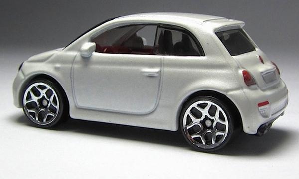 Hot Wheels - Coleção 2014 - Fiat 500 (Branco)  - Hobby Lobby CollectorStore