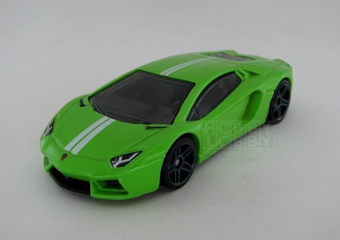 Hot Wheels - Coleção 2014 - Lamborghini Aventador LP 700-4  (loose)