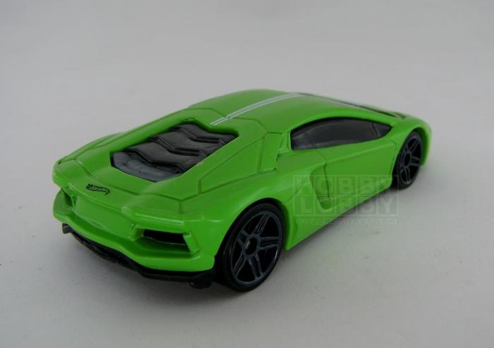 Hot Wheels - Coleção 2014 - Lamborghini Aventador LP 700-4  (loose)  - Hobby Lobby CollectorStore
