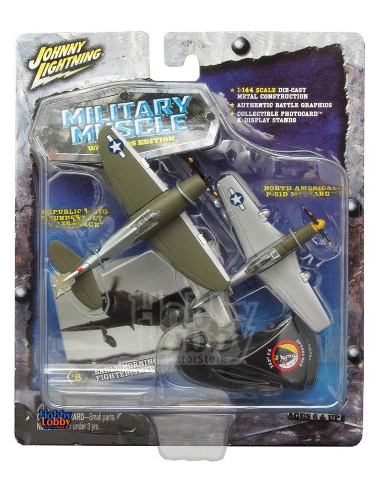 Johnny Lightning - Military Muscle - REPUBLIC P-47D THUNDERBOL