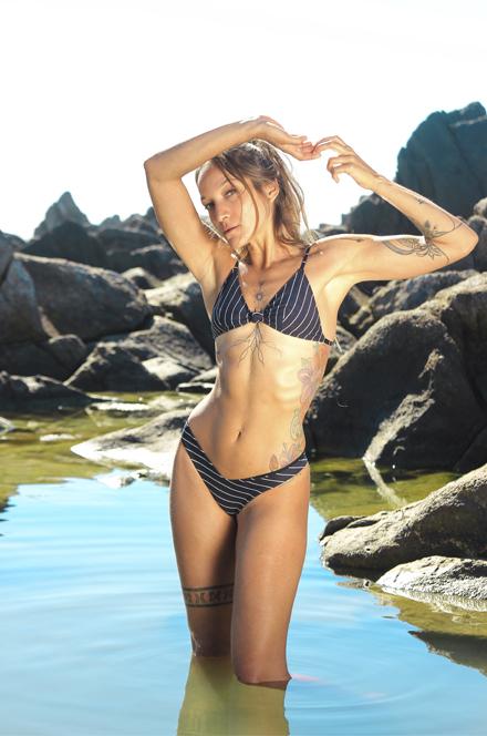 SUT TRIÂNGULO COM NÓ   CALCINHA ASA DELTA COMFY  - Cila Beachwear