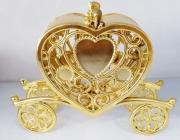 Carruagem Coração Dourada Lembrancinha Realeza (11,5 x 9 x 3,50 cm) - 10 unidades
