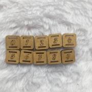 Kit Passante para Elástico em MDF - Quadrado- 1,5cm - Numeros do 0 ao 9