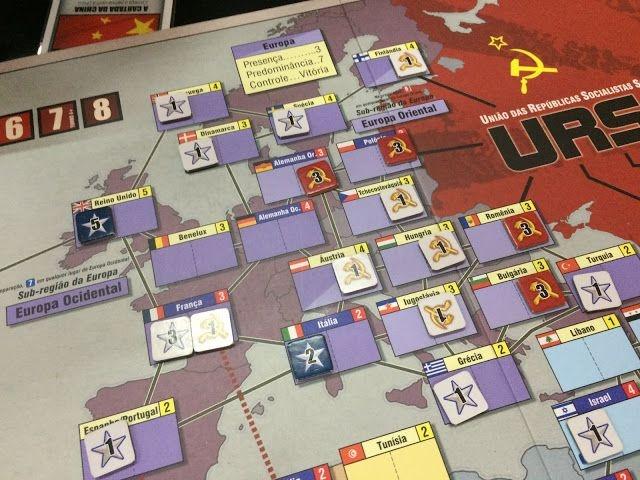 Twilight Struggle: A Guerra Fria