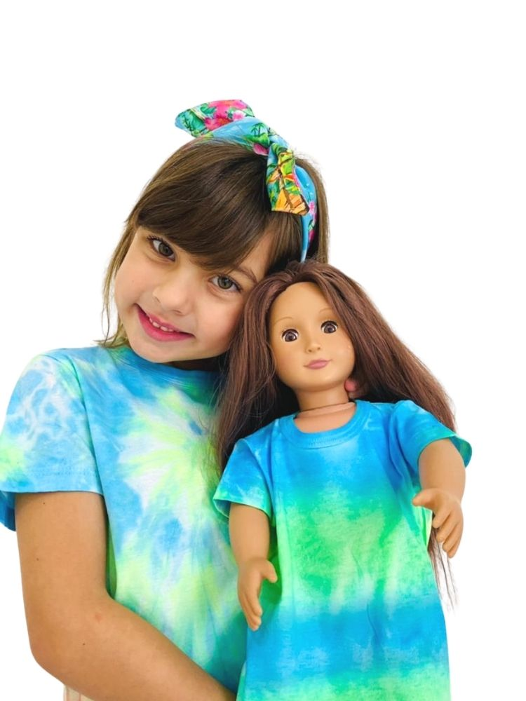 Kit Filha & Boneca T-shirt Artesanal Tie Dye Azul e Verde