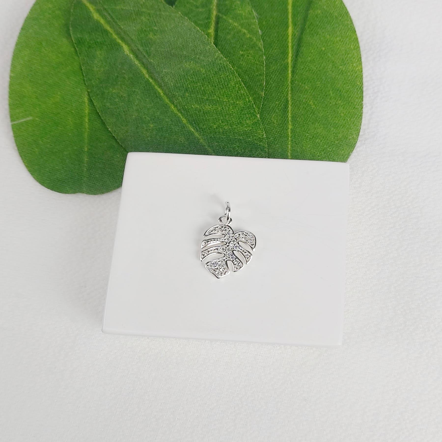Pingente Prata Folha Cravejada de Zircônia - Natureza