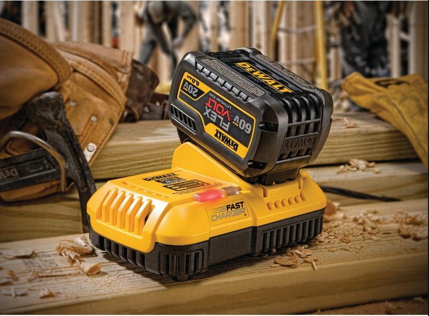 Carregador Rapido de Baterias 20 e 60V MAX 220V Li Ion Dewalt DCB118