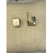 Brinco prata cubo aberto com ponto de luz
