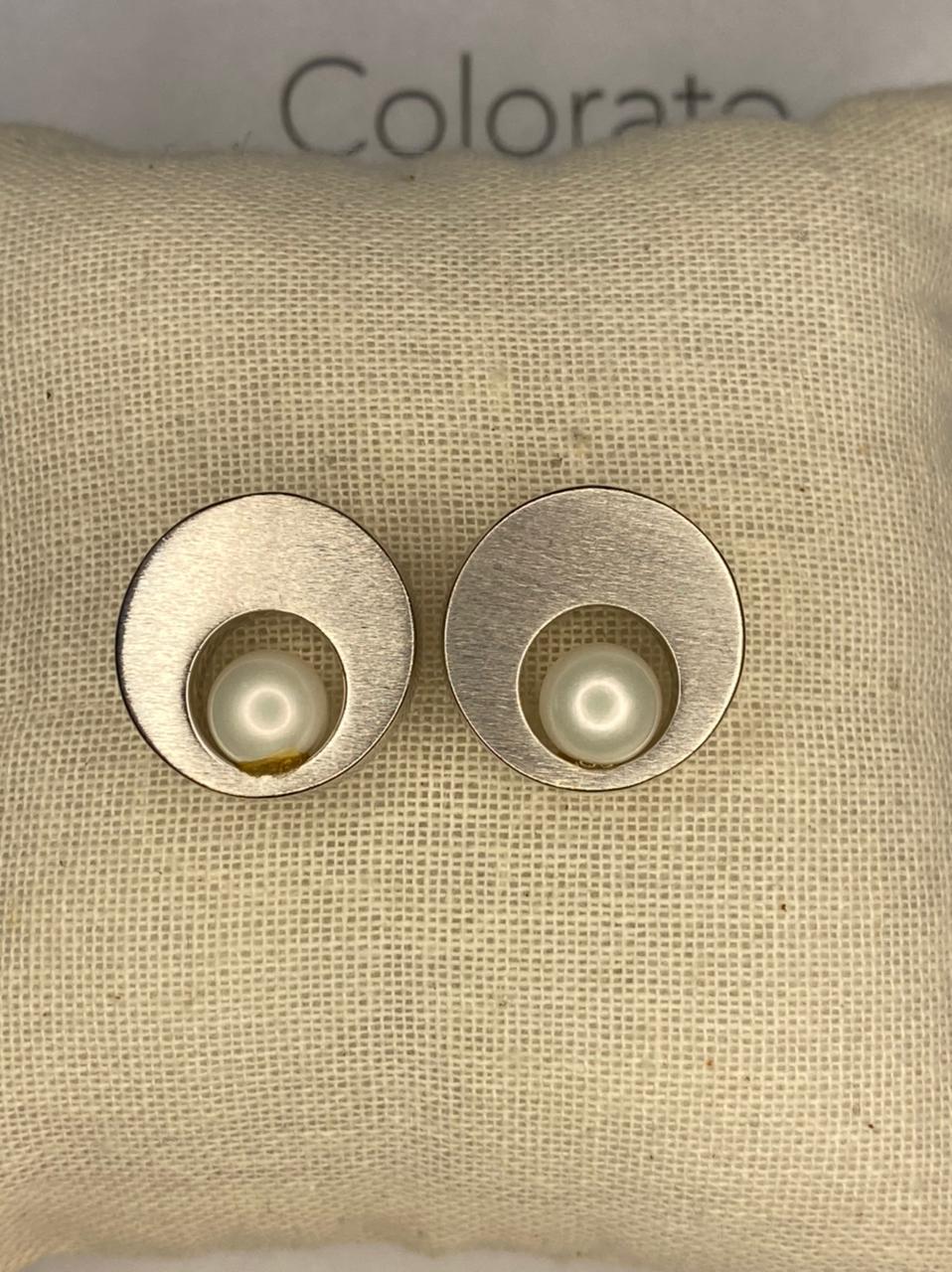 Brinco redondo prata com pérola