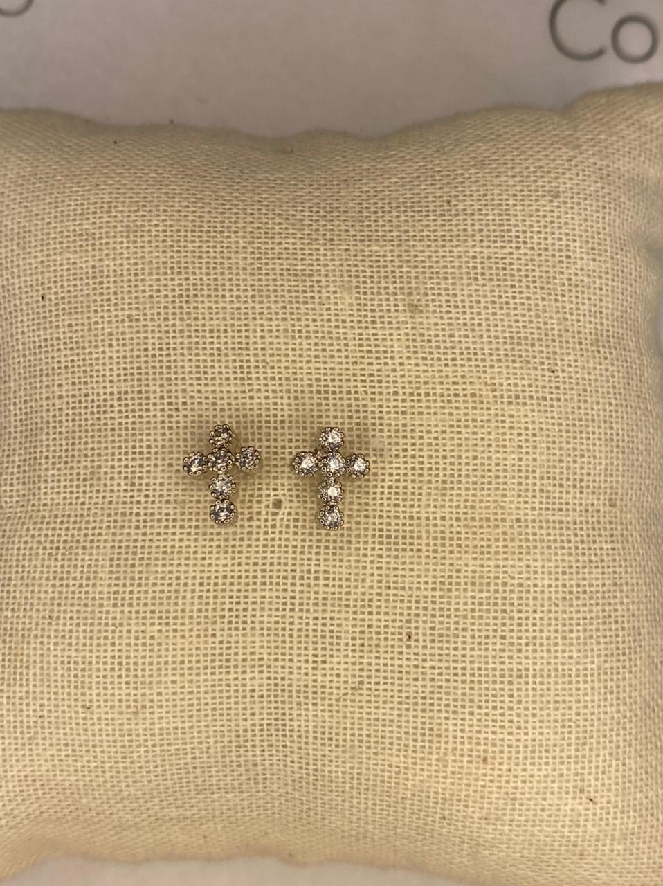 Mini brinco cruz com zircônias
