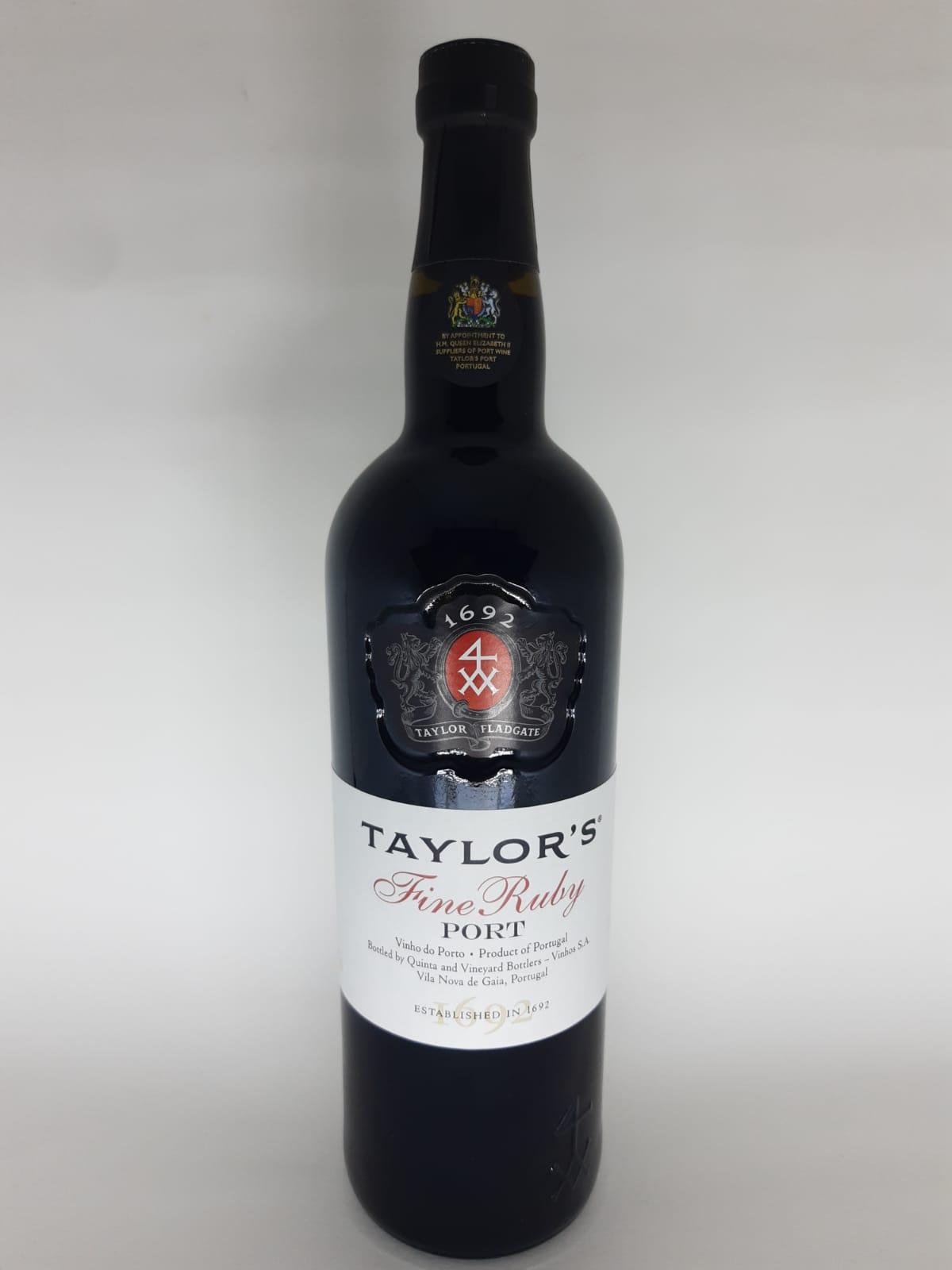 Vinho Taylor's Fine Ruby Port 750ml