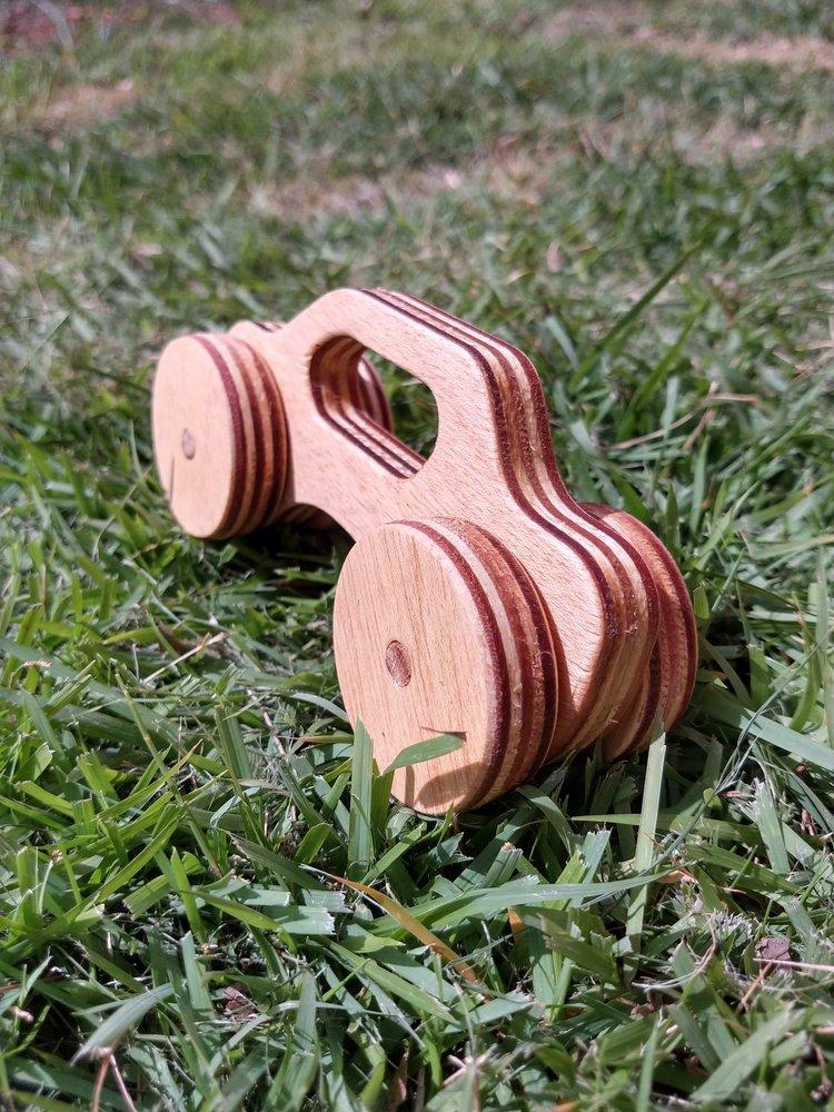 Carrinho de madeira - Sedam