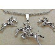 Conjunto de colar e brincos cavalo saltando ródio