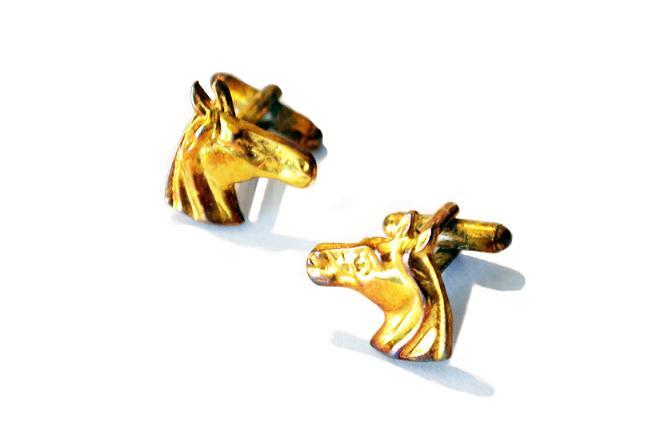 Abotoadura Dourada Cara de Cavalo 2 HCL105