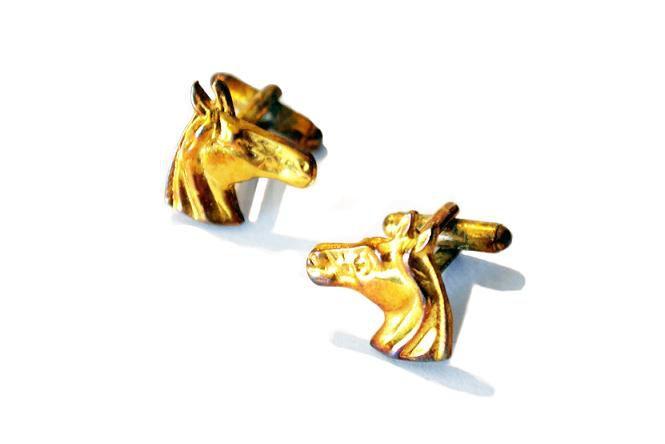Abotoadura Dourada Cara de Cavalo 2