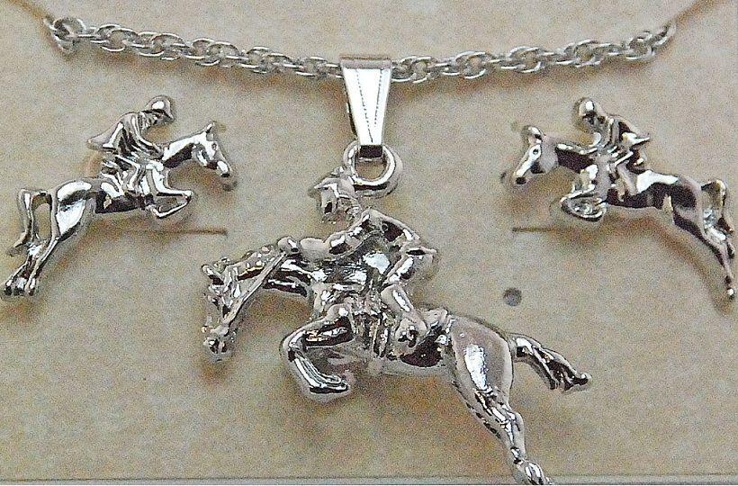 Conjunto de Colar e Brincos Cavalo Saltando - Ródio