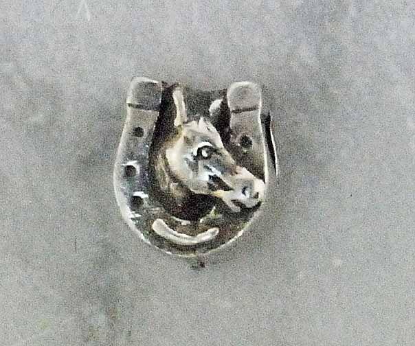 Pingente Cabeça de Cavalo Ferradura